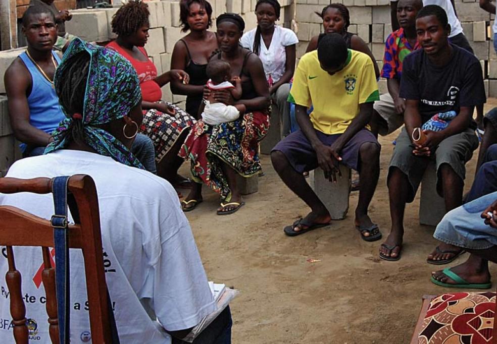 Estudos Comportamentais de Vigilância sobre as Populações MARP em Angola (Prisioneiros e Motoristas de Camião)